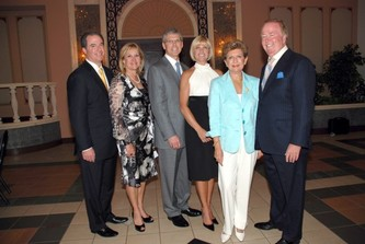 "April 18, 2007 ""Huizenga School Hosts Entrepreneur Hall of Fame 2007"""